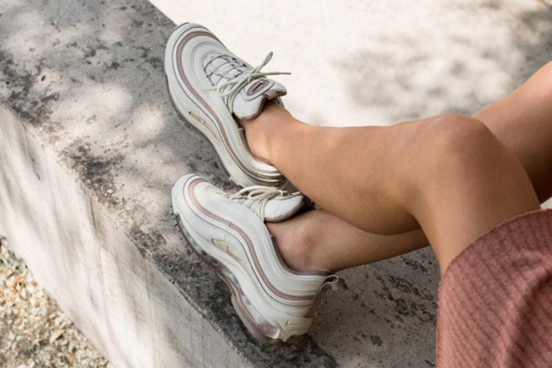 3ed80e4871 ... Bone Diffused Taupe Sepia Stone 917646-004. 품절 추천 New. 공급사 바로가기.  [해외]나이키 우먼스 에어맥스97 프리미엄 Nike W Air Max 97 Premium Light