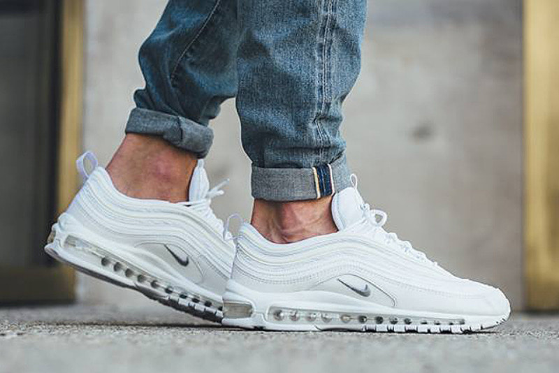 [해외]​나이키 에어맥스97 Nike Air Max 97 White Wolf Grey Black 921826-101