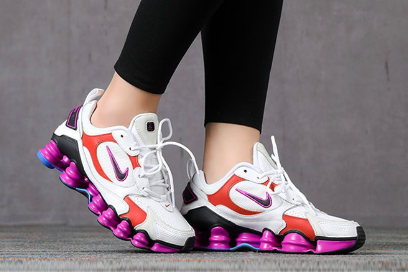 [해외]나이키 우먼스 샥스 TL 노바 Nike W Shox TL Nova ​White Hyper Violet Racer Blue Black AT8046-100