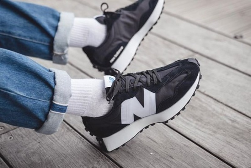 [해외]뉴발란스327 검흰 New Balance 327 Black Munsell White MS327CPG